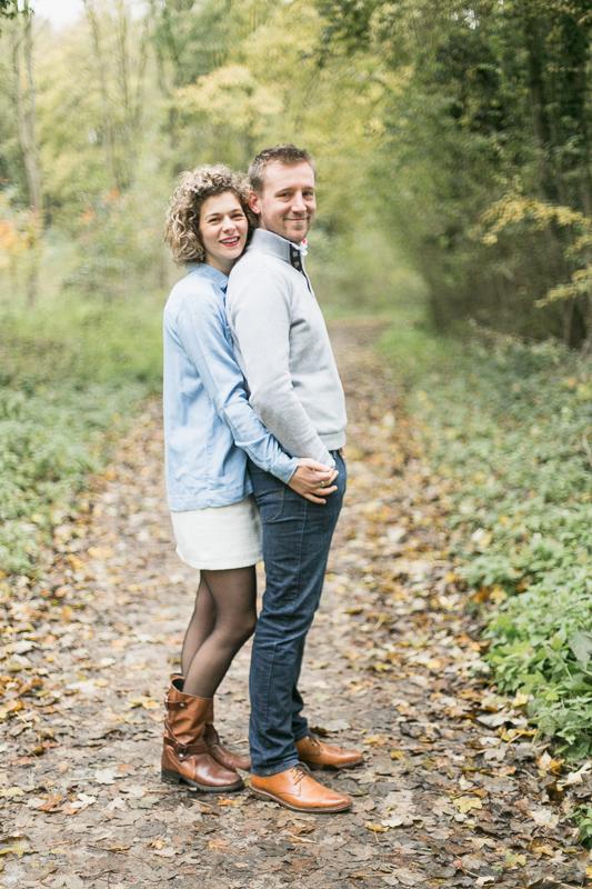 seance-engagement-couple-arras-foret-nature-automne